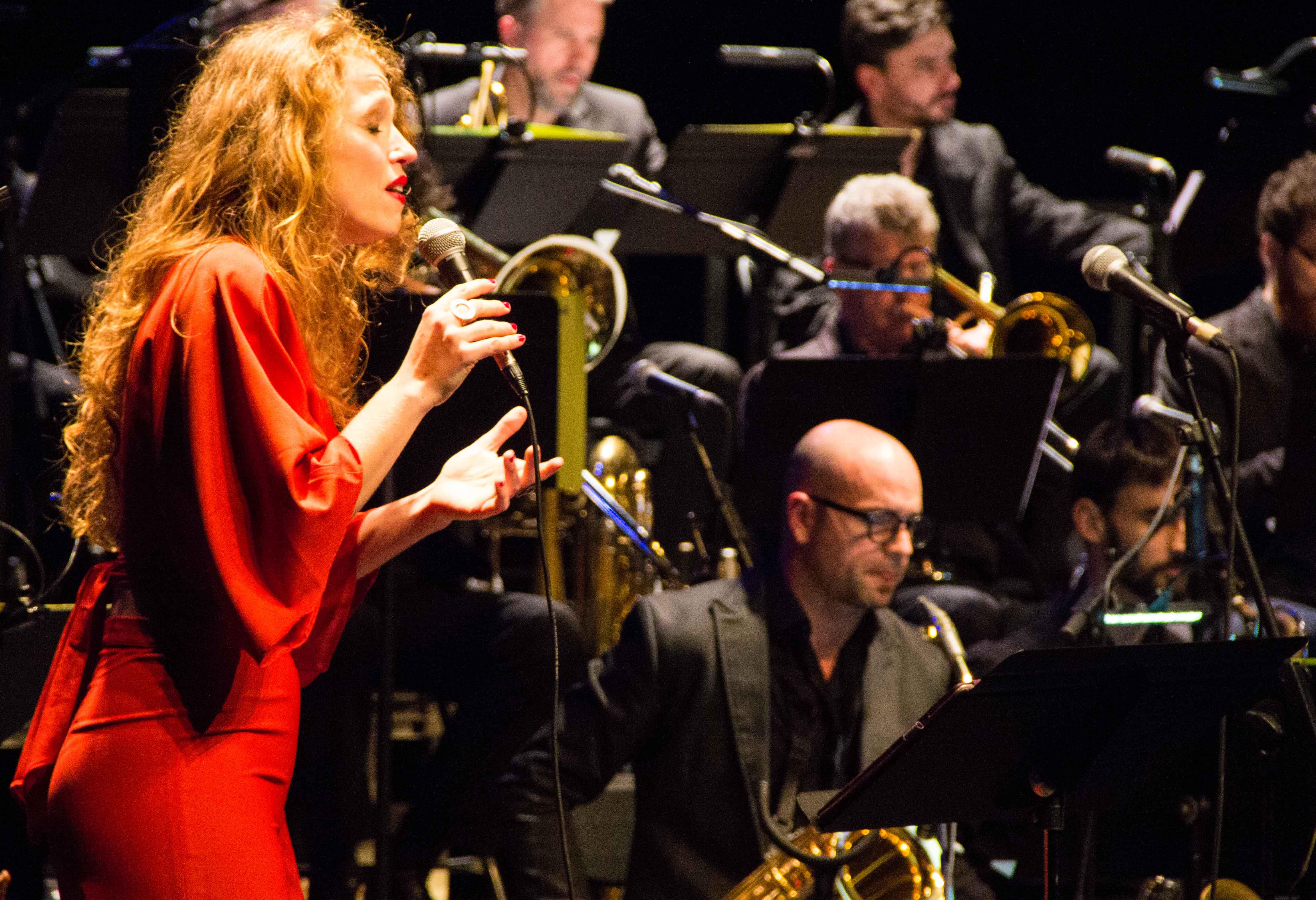 Concert Nadal Big Band, presentació de la nova temporada de teatre i copa de cava