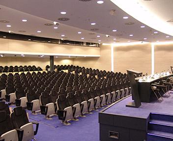 Auditoriums, foires et autres espaces